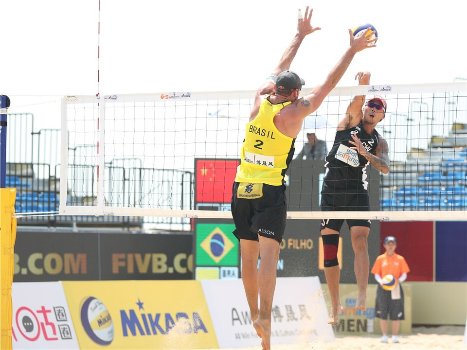 Brazil's Alison Cerutti and team-mate Álvaro Morais Filho reached the main draw of the FIVB Beach Volleyball World Tour in Xiamen ©FIVB