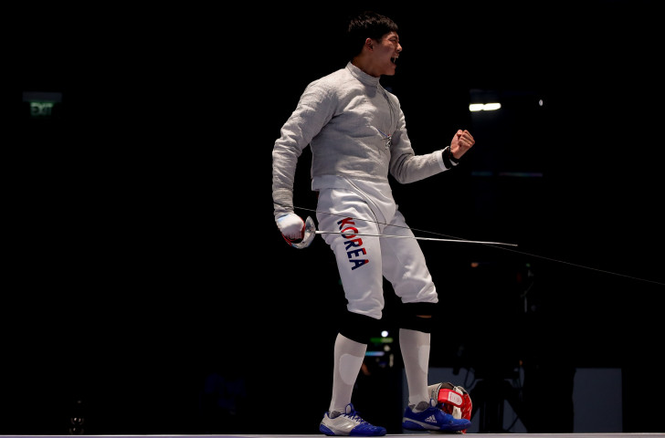 South Korea's Oh Sang-uk, pictured celebrating team gold at last year's Asian Games, will seek a second successive FIE Sabre Grand Prix title on home soil in Seoul this weekend ©Getty Images