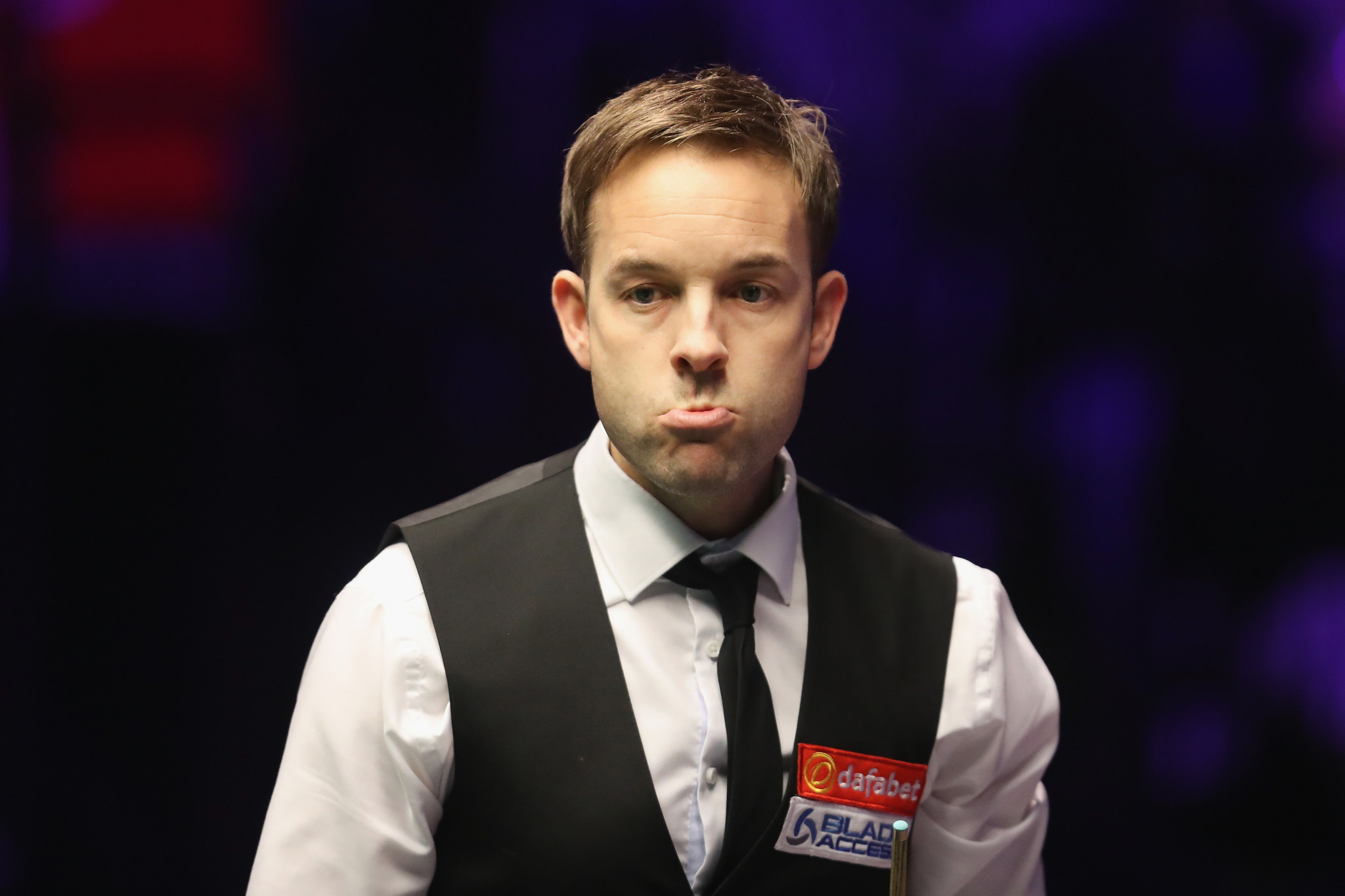 Former finalist Carter through to second round of World Snooker Championship