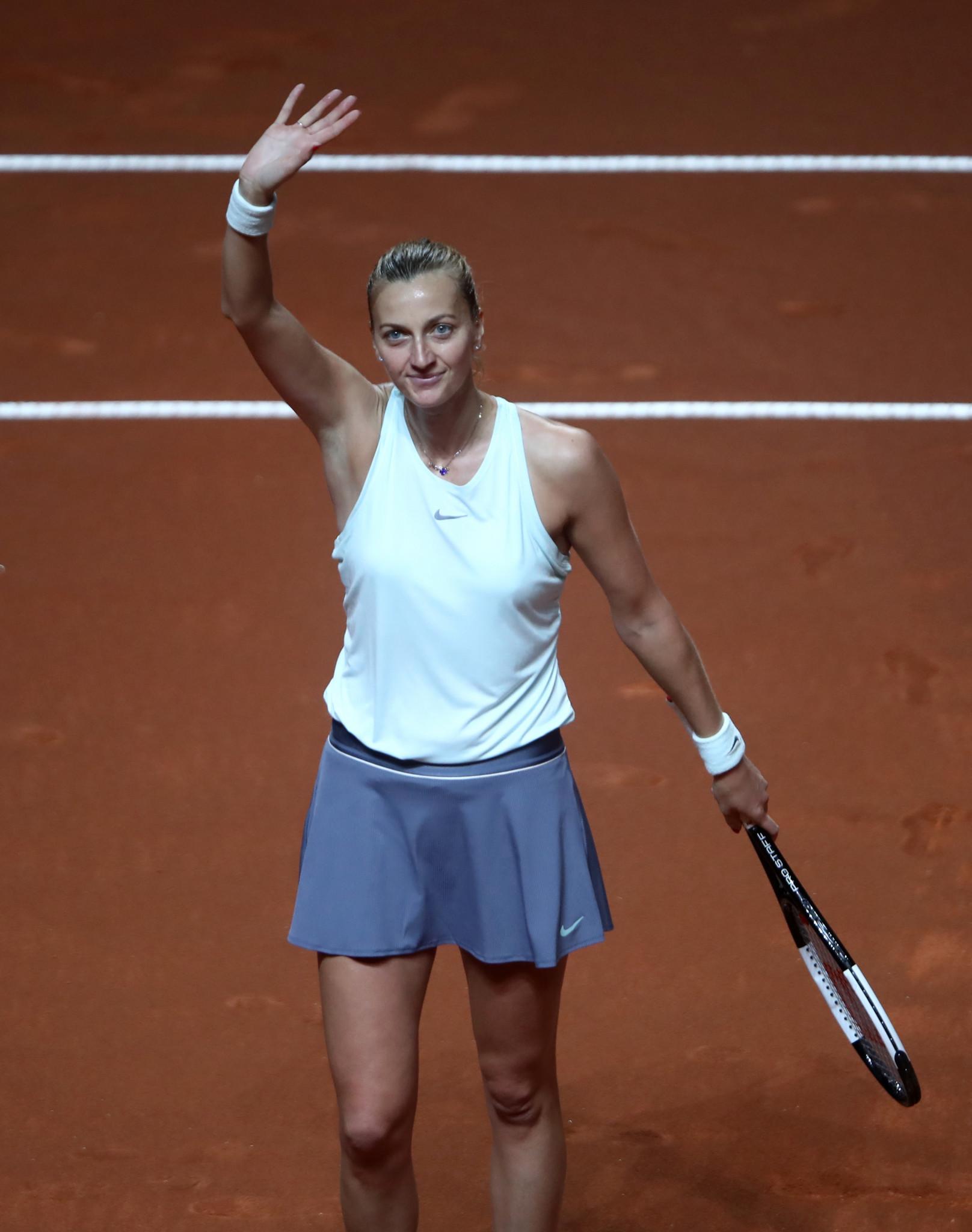 Kvitová survives scare to earn place in Stuttgart Open semi-finals