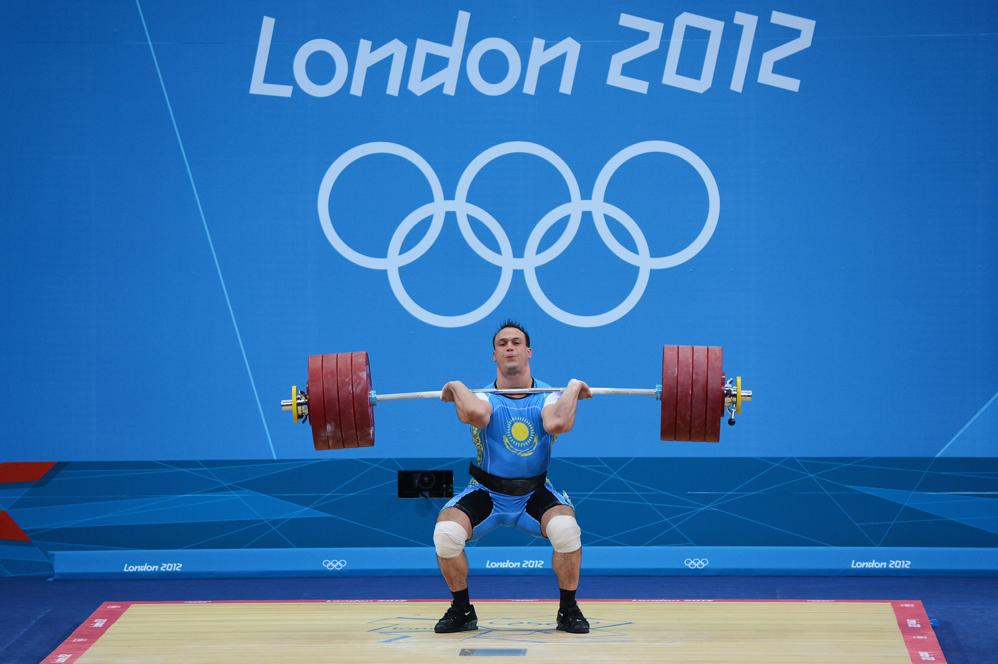 Ilya Ilyin in action at London 2012 ©Getty Images