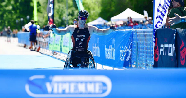 Jetze Plat earned an impressive victory in Milan ©International Triathlon Union