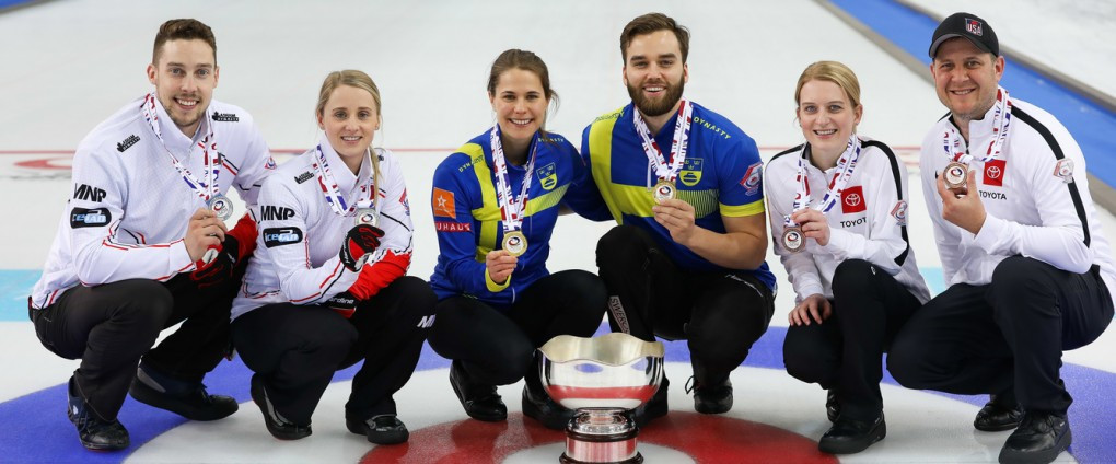 Ann Hasselborg and Oskar Eriksson won Sweden's first World Mixed Doubles Curling title in Stavanger today ©World Curling