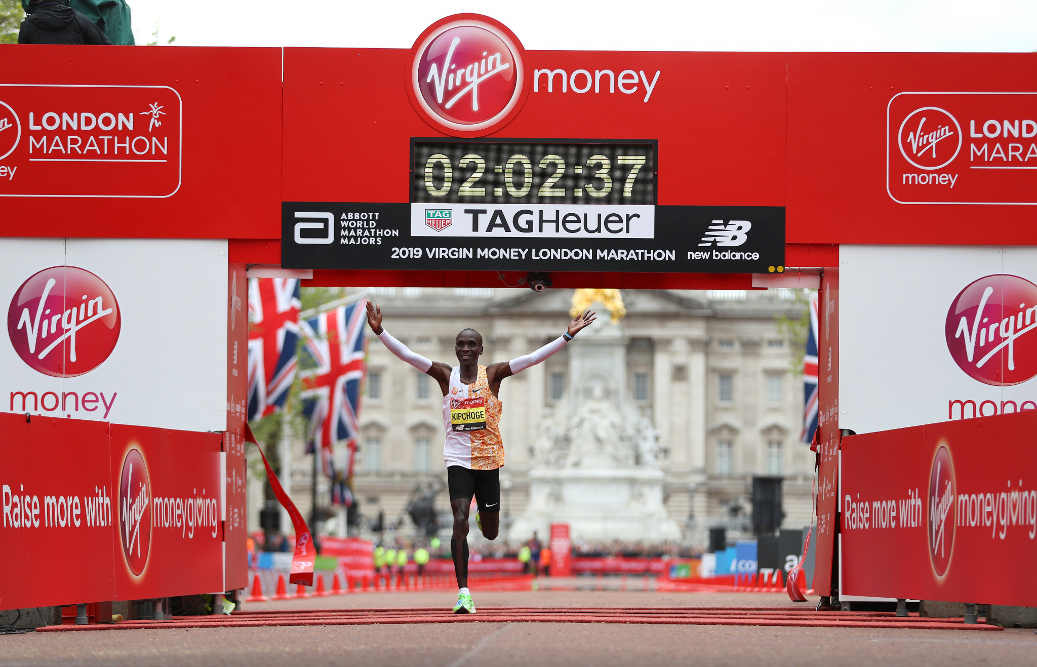 Kipchoge clocks second fastest time in history to win fourth London Marathon title