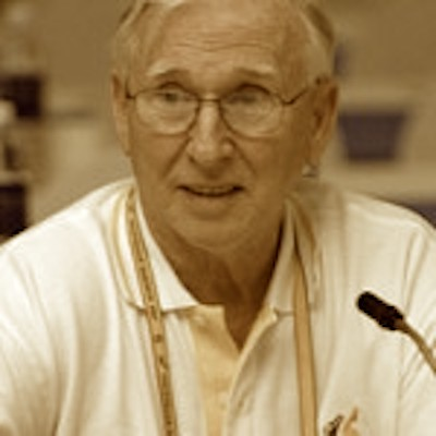 FISU diving technical committee chair Donald Leas has died aged 82 ©FISU