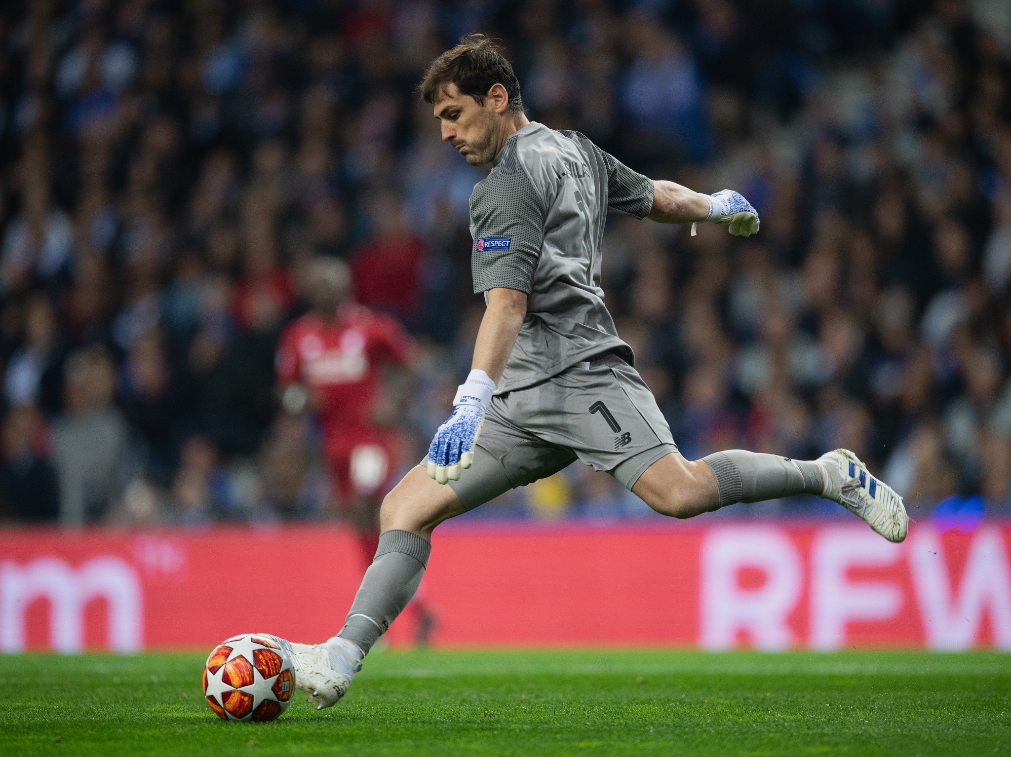 World Cup-winning goalkeeper Casillas suffers heart attack in training