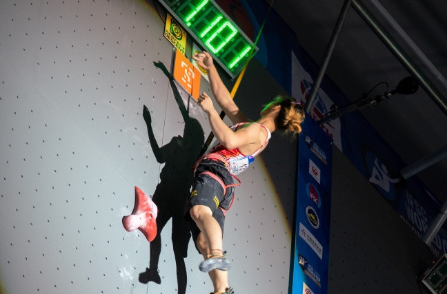 China's Song Yi Ling, pictured setting a women's world speed climbing record at last Friday's IFSC World Cup in Chongqing, will be the athlete to beat as the World Cup moves to Wujang ©IFSC