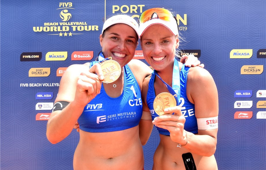 Top seeds Barbora Hermannová and Markéta Sluková of the Czech Republic won gold at the FIVB Port Dickson Beach Open ©FIVB