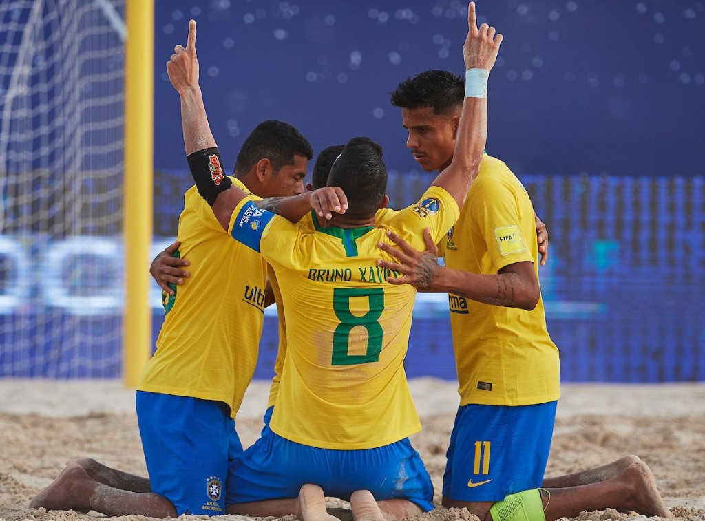 Uruguay and Brazil secure places at FIFA Beach Soccer World Cup
