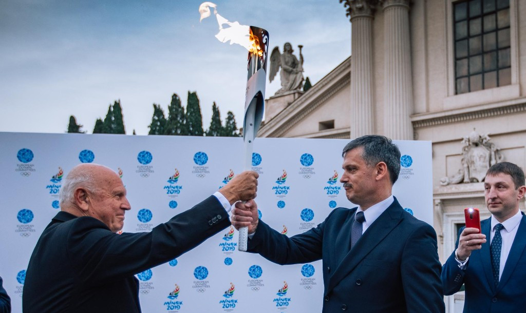 Kocijančič handed the Flame of Minsk 2019 to Kovalchuk ©Minsk 2019