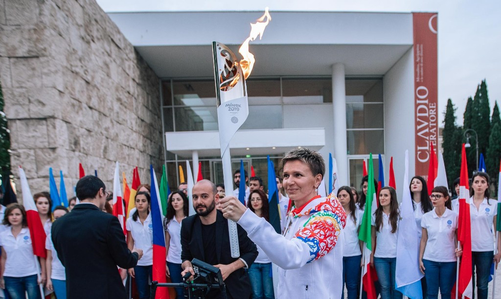Yulia Nesterenko, an unexpected winner of 100m gold at the Athens 2004 Games, was the first to run with the Flame ©Minsk 2019