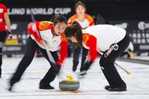 Inaugural Curling World Cup to reach climax in Beijing