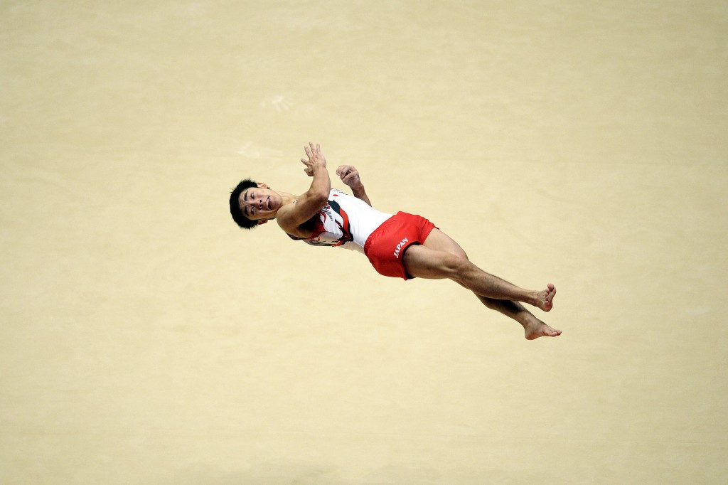 Japan's Kenzo Shirai claimed his second floor world title with another sublime display