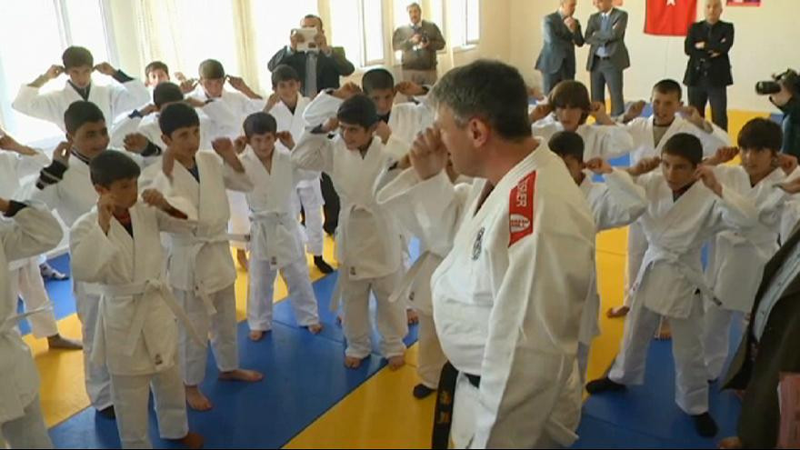 IOC partner with International Judo Federation to deliver migrant athletes project