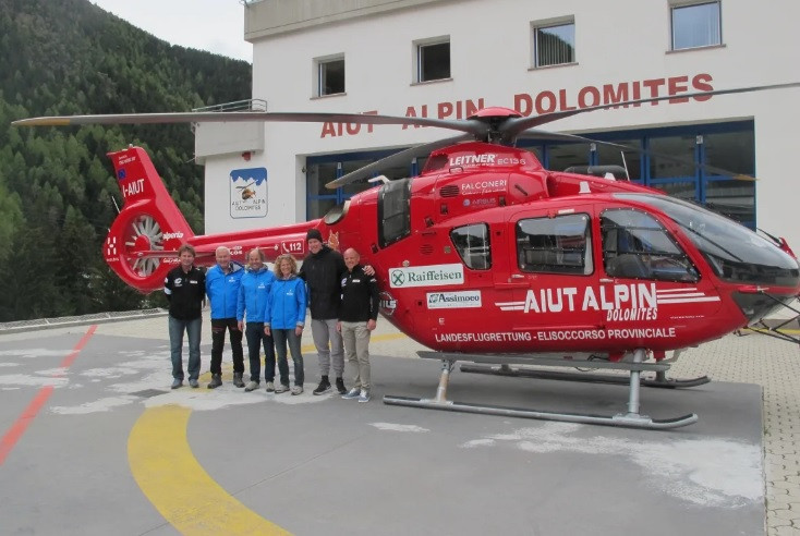 Gisin returns to scene of crash in Val Gardena to thank organisers and rescue team
