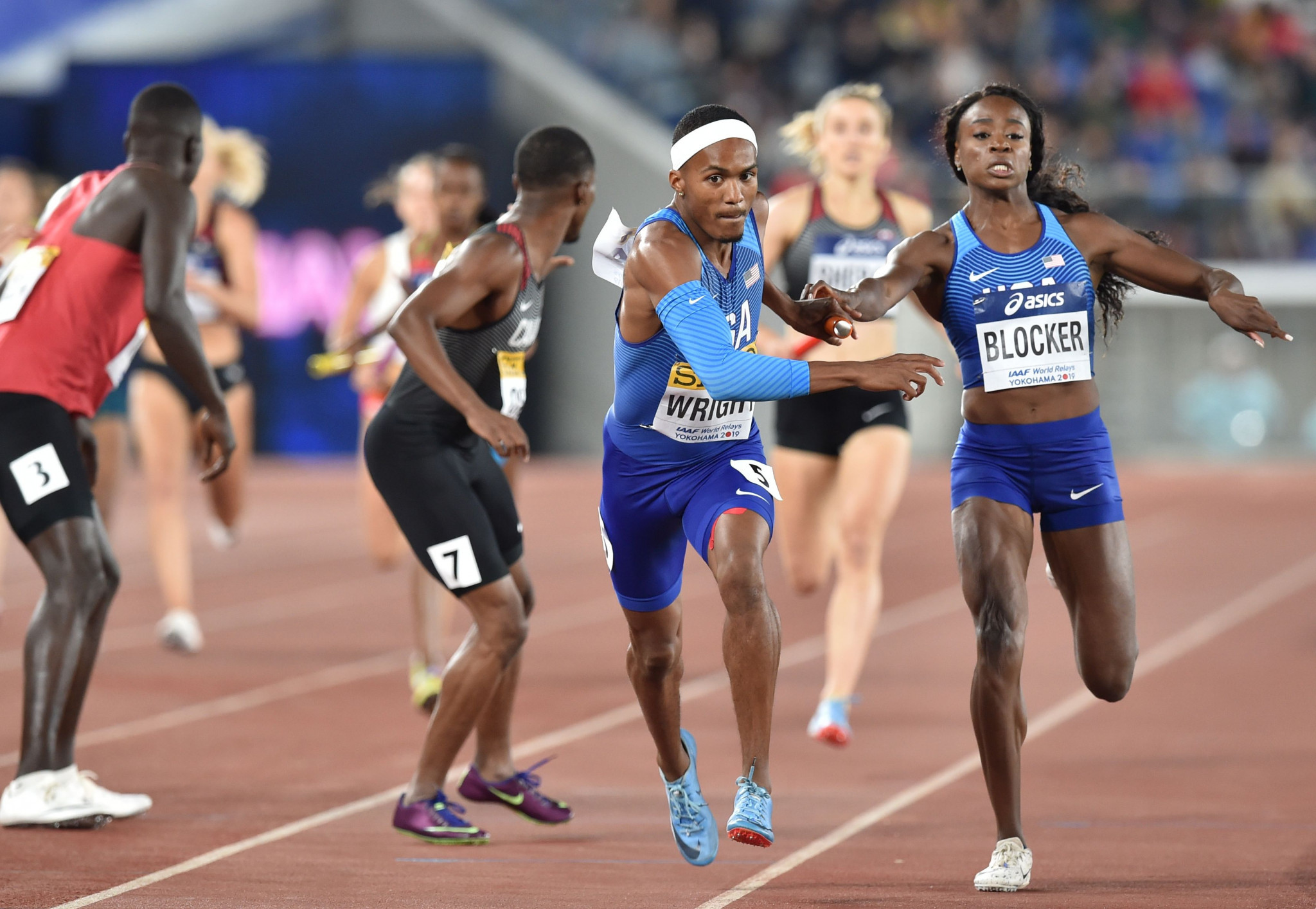Dontavius Wright and Jasmine Blocker of the United States played their part in a victory in the mixed 4x400 metres relay final at the IAAF World Relays in Yokohama ©Getty Images