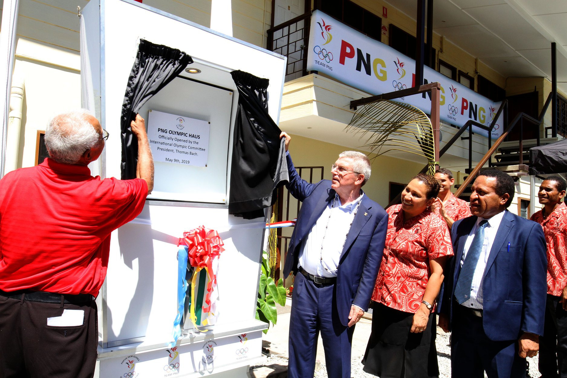 IOC President Bach completes whistle-stop tour of Pacific