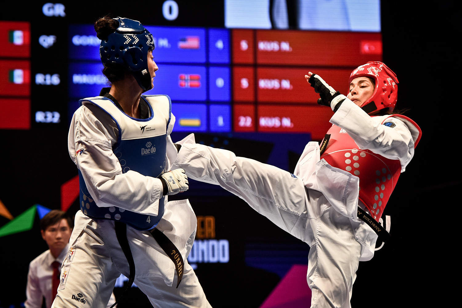 Mexico's Maria Espinoza beat Turkey's Nafia Kuş to reach the women's under-73kg final ©World Taekwondo