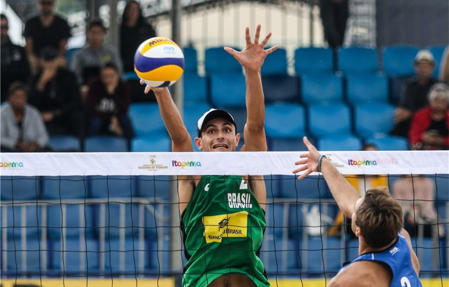Loyola defending FIVB Beach Volleyball World Tour title at Itapema Open with new partner