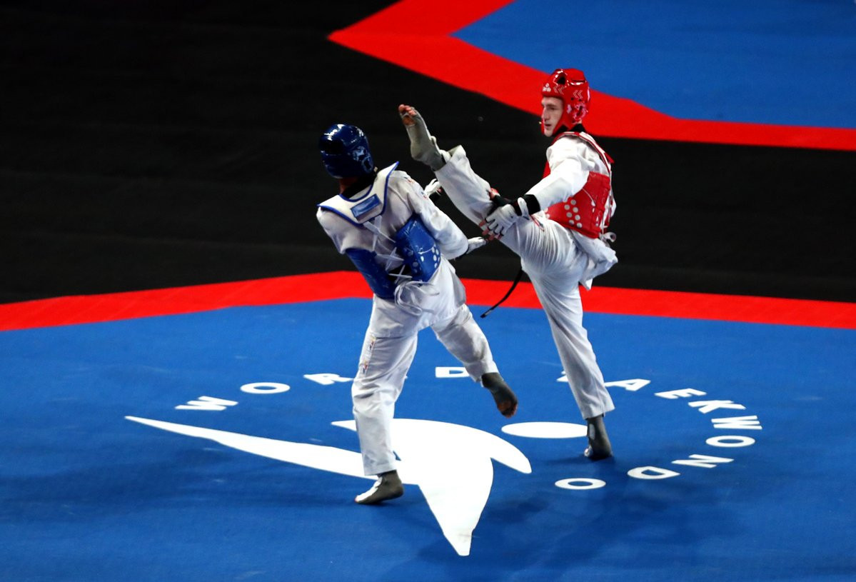 Bradly Sinden then delighted the crowd in Manchester Arena with a win against three-times world champion Lee Dae-hoon of South Korea in the men's under-68kg semi-final ©GB Taekwondo