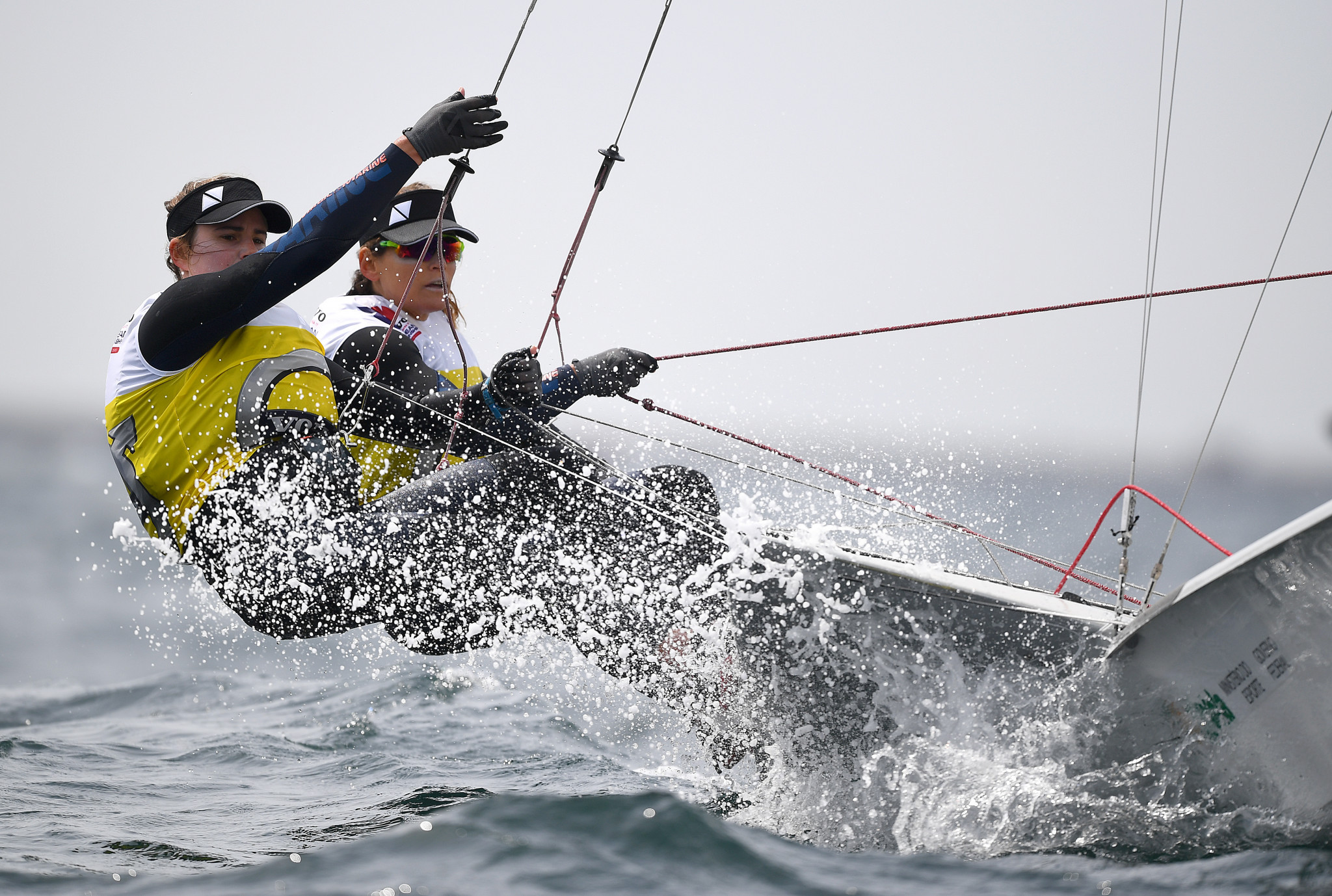 Brazil's Martine Grael and Kahena Kunze still have a healthy lead in the 49erFX ©Getty Images