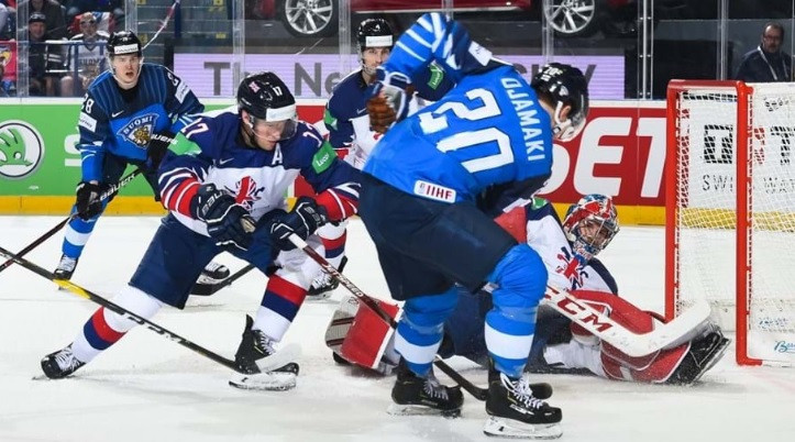 Finland recorded a 5-0 win over Britain to move top of Group A ©IIHF