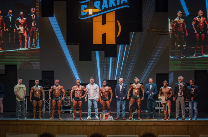 Romanian Fitness & Bodybuilding Association in presentation to Government Minister