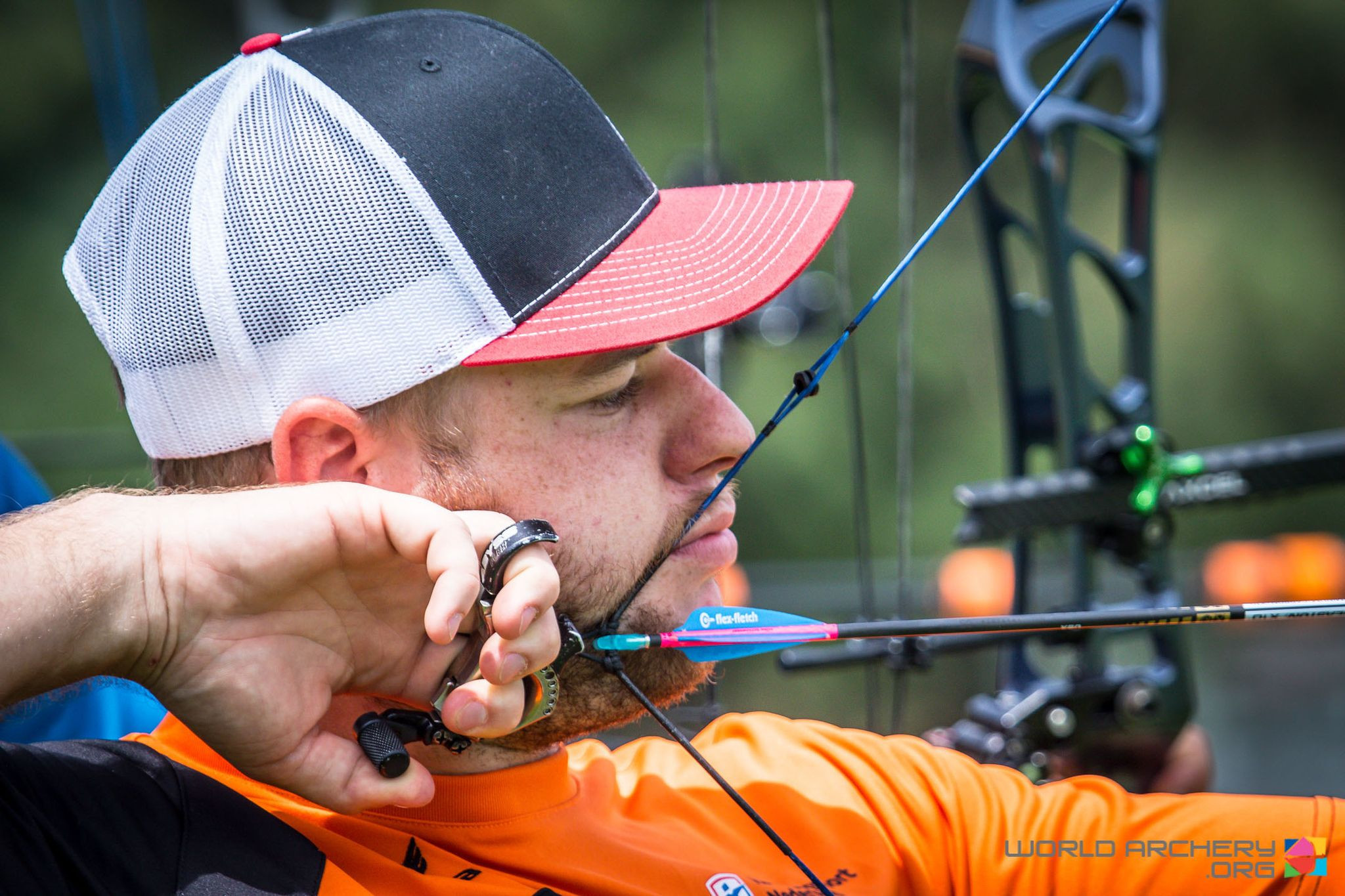 Schloesser breaks 1440 round archery world record