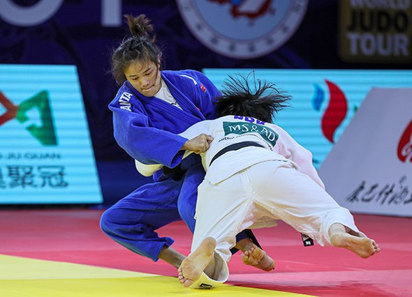 World number 113 Jon Yu Sun of North Korea pulled off a sensational triumph in the women's under-48kg category ©IJF