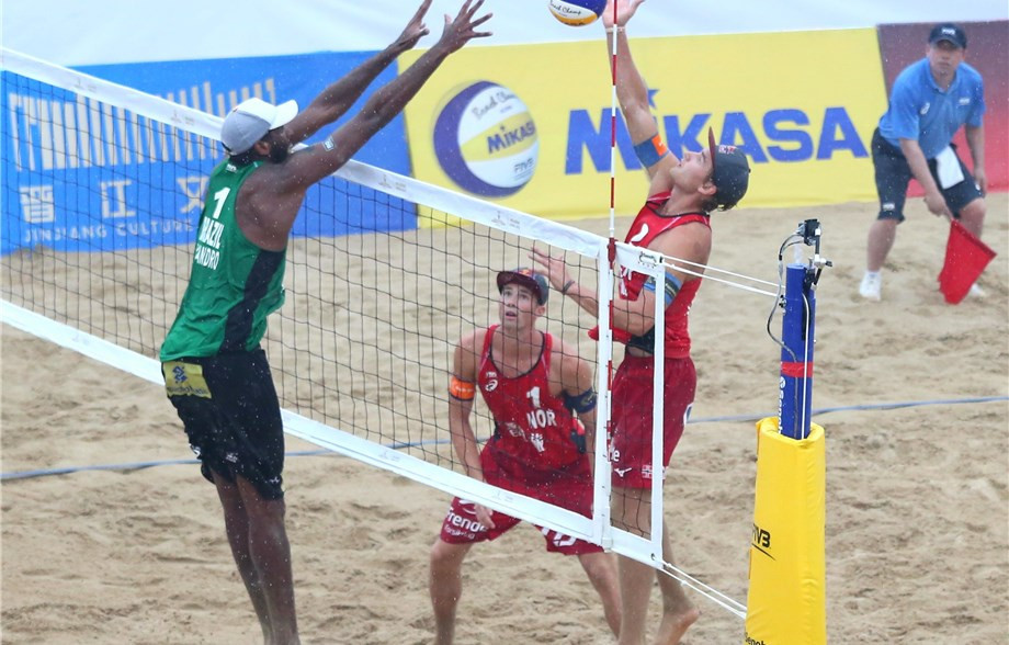 Anders Mol and Christian Sørum made it back-to-back tournament victories on the World Tour ©FIVB