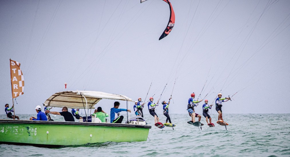 Two races were possible in the men's and women's events today ©Formula Kite