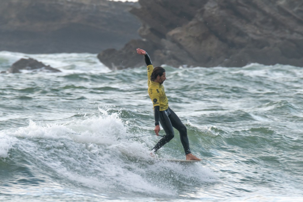 Delpero produces highest score in men's heats at ISA World Longboard Surfing Championship