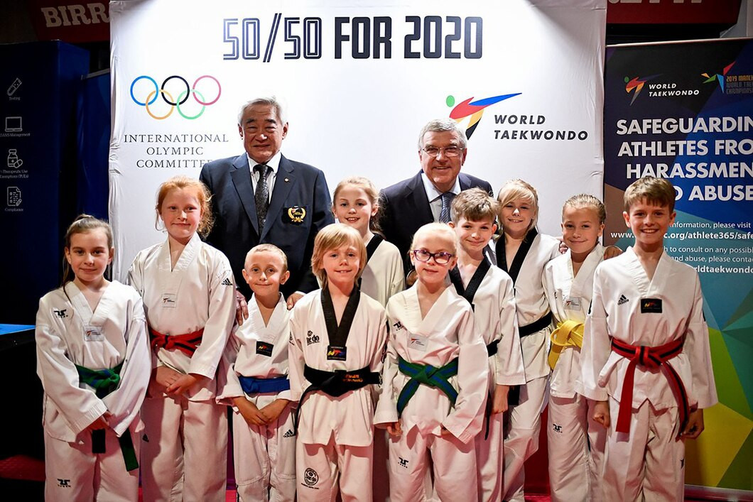 Thomas Bach was joined on his visit to the THF booth by World Taekwondo President Choue Chung-won ©World Taekwondo