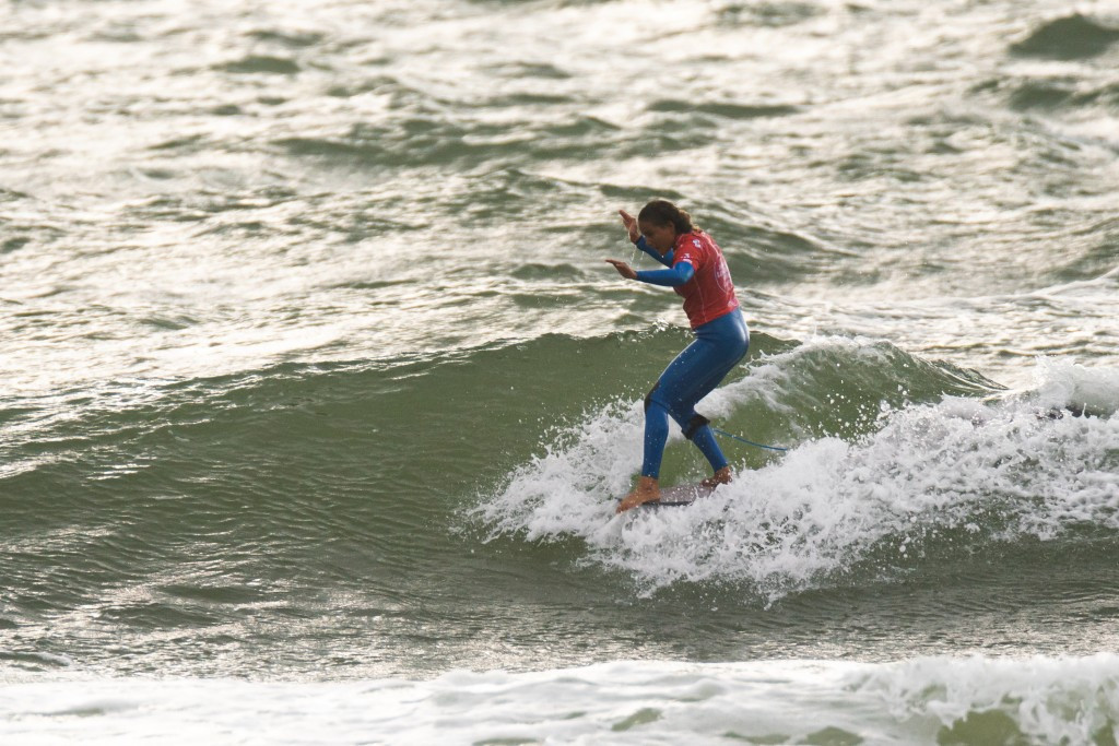 Dupont stars as Calmon condemned to repechage at ISA World Longboard Surfing Championship