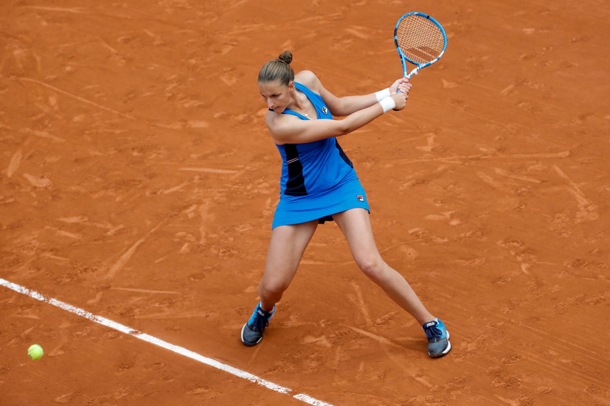 Karolína Plíšková continues hunt for maiden Grand Slam as reaches French Open round three