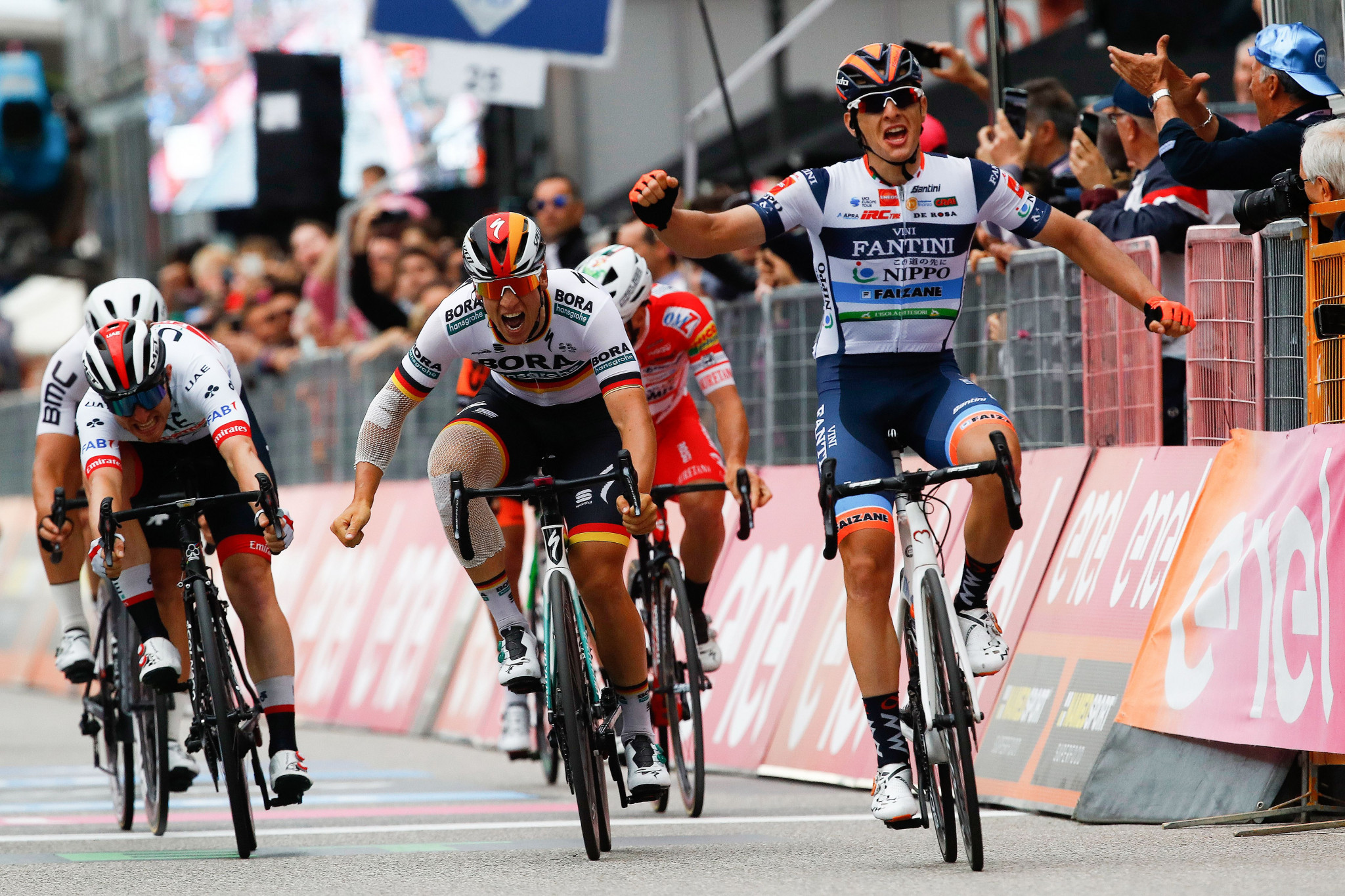 Cima victorious on stage 18 of Giro d'Italia as Carapaz keeps hold of general classification lead