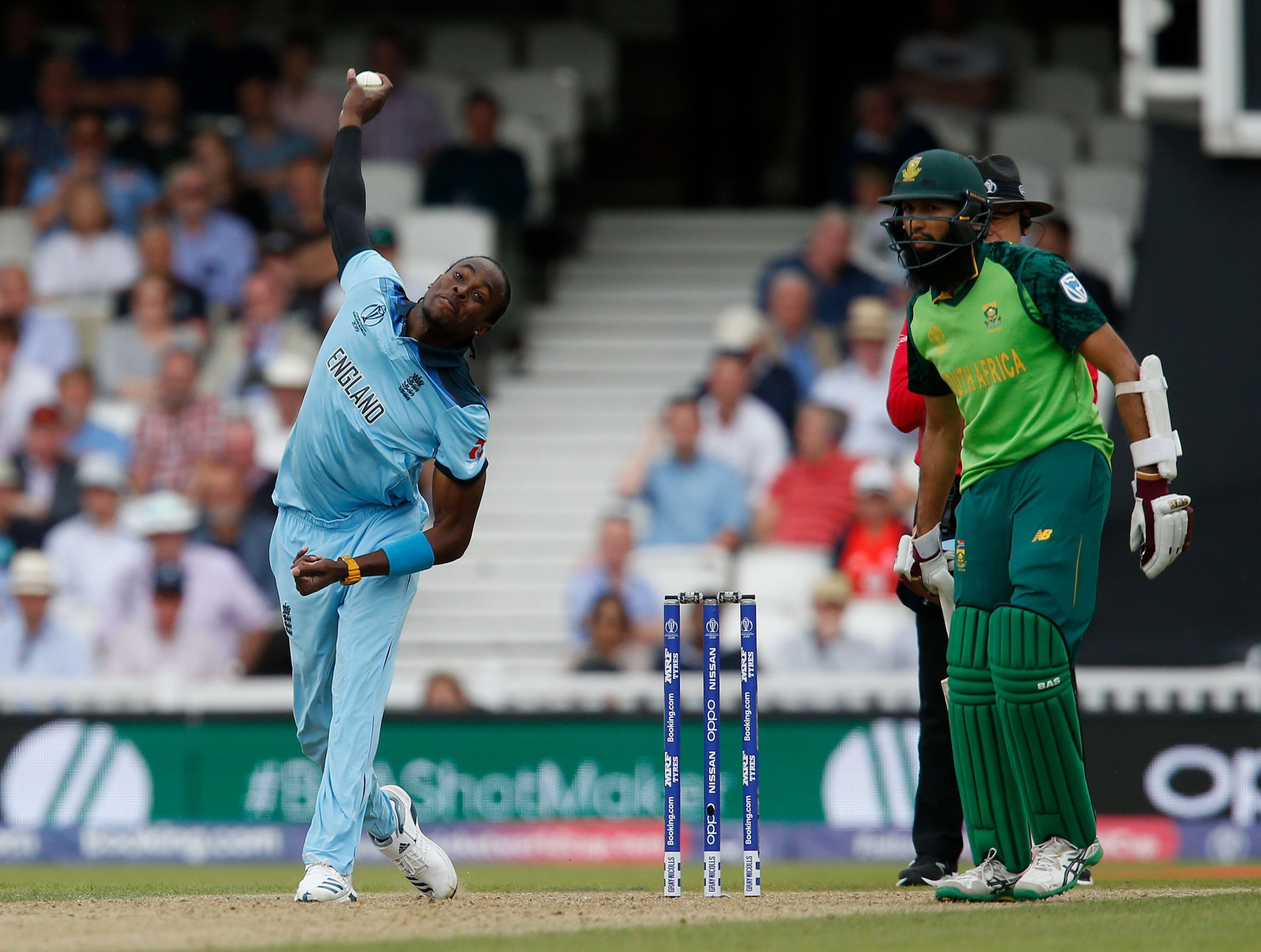 England defeat South Africa in ICC Cricket World Cup opener