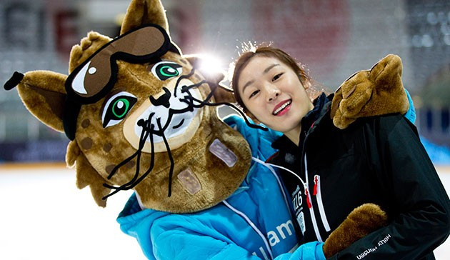 South Korea's Olympic gold medal-winning figure skater Yuna Kim has opened her own official Instagram account using the #iLoveYOG hashtag
