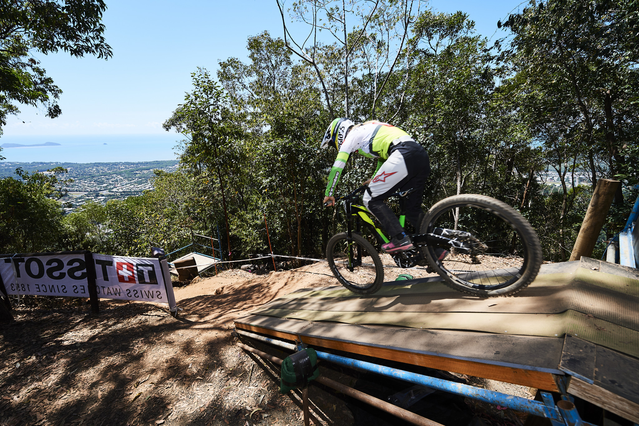 Hannah and Vergier qualify fastest at UCI Mountain Bike Downhill World Cup