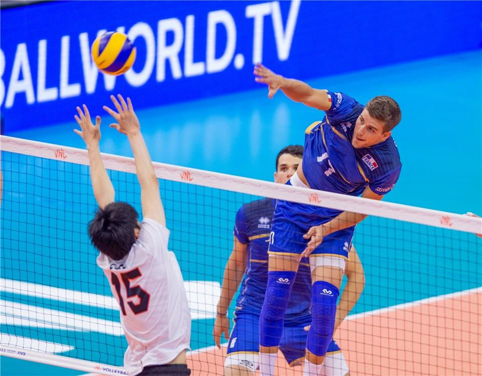 France also ended the first phase with a 100 per cent record thanks to victory over Japan ©FIVB