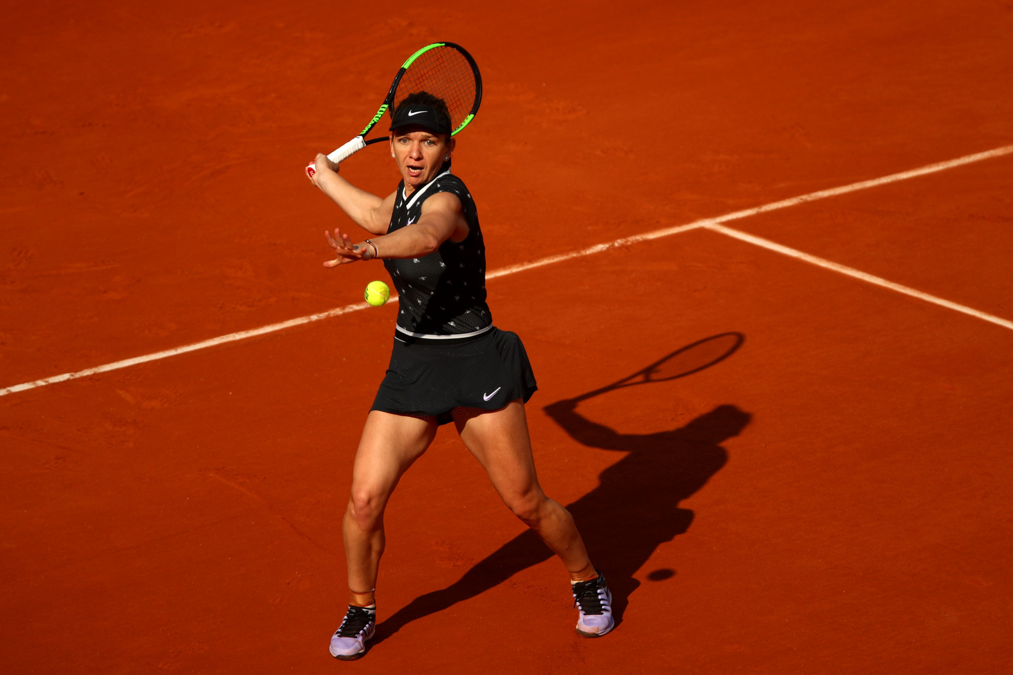 Romania's reigning champion Simona Halep comfortably defeated Polish youngster Iga Swiatek ©Getty Images