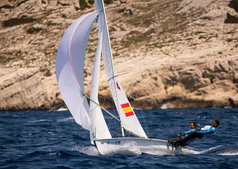Spain got off to a flying start in the men's 470 class on the opening day of the World Cup Series Final in Marseille ©World Sailing