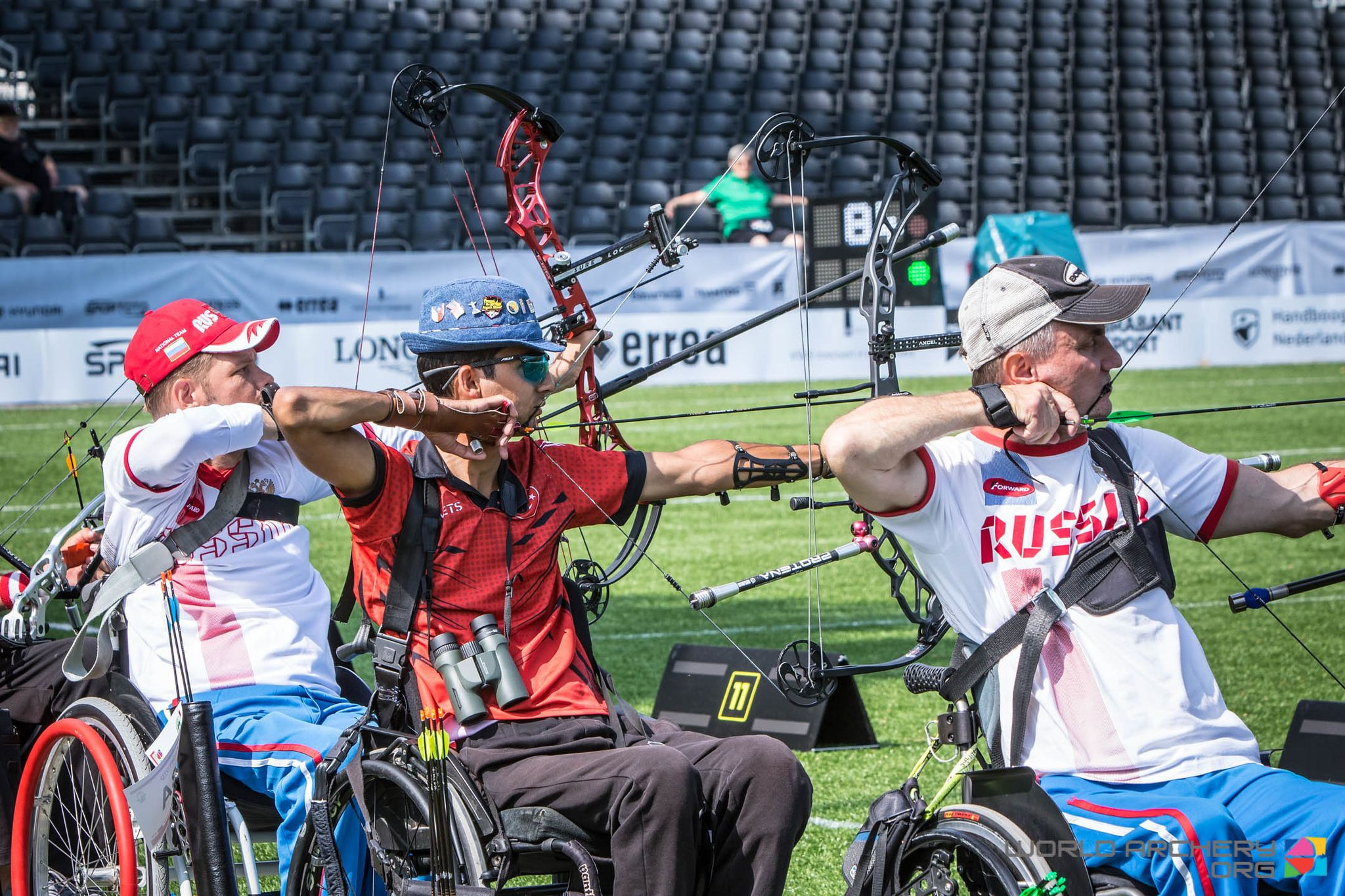 Turkey's Bahattin Hekimoğlu, centtre, topped the individual rankings and helped his nation break the W1 men's team world record with a score of 1969 points at the World Archery Para Championships in The Netherlands today ©World Archery