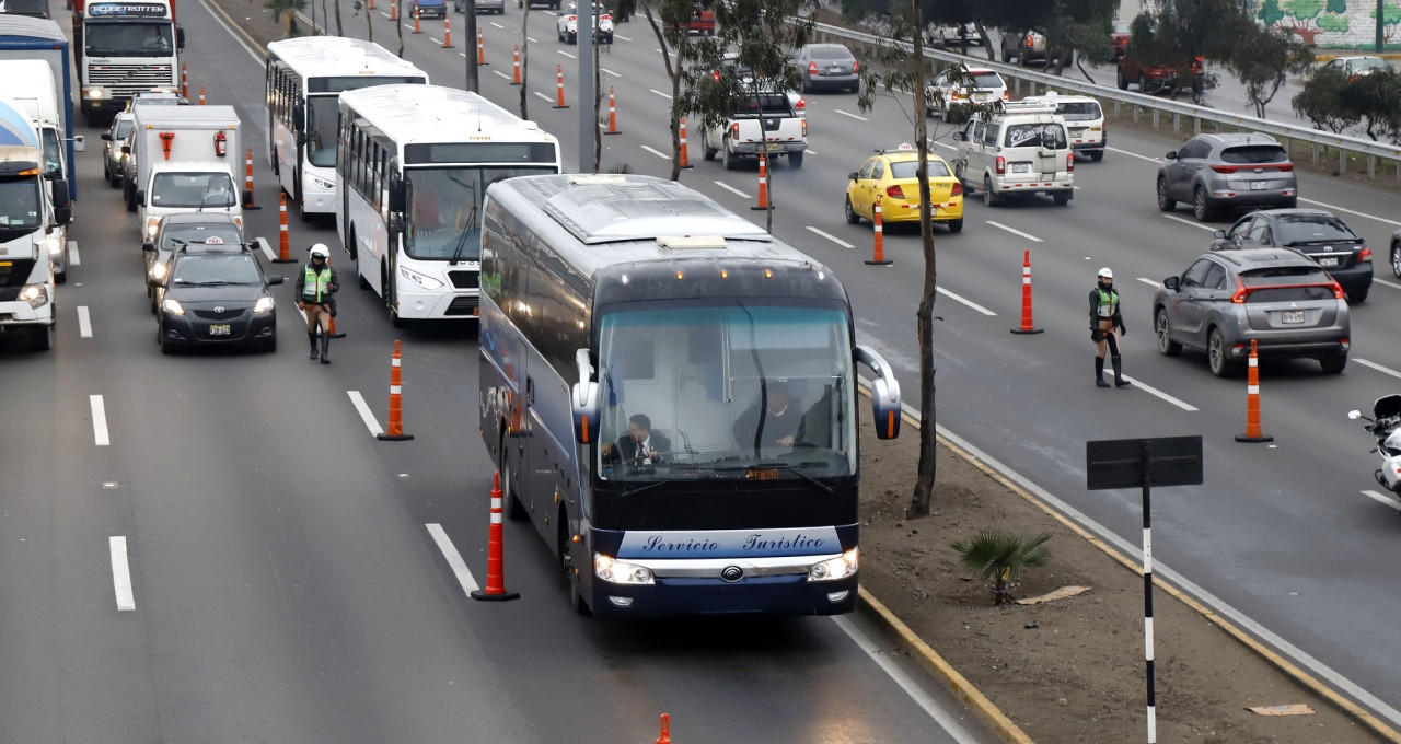 A first test has been conducted on the traffic lanes that will be dedicated to athletes and officials during the Pan American and Parapan American Games that start on July 26 ©Lima 2019