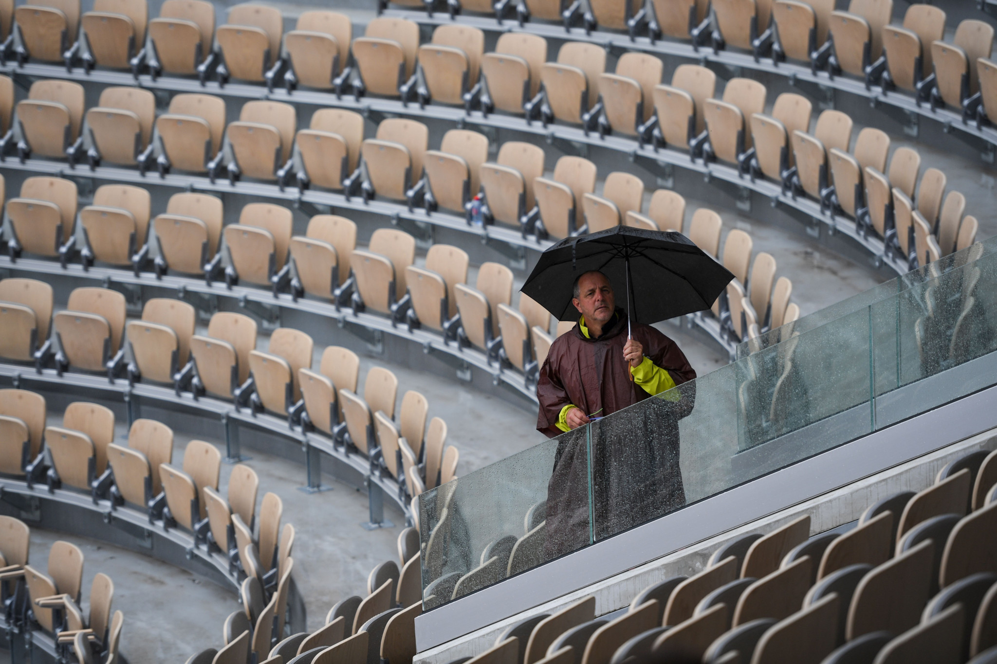 A spectator remains optimistic for play on day 11 of the French Open ©Getty Images