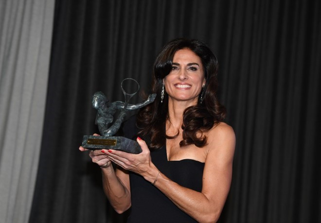 Gabriela Sabatini has been presented with the International Tennis Federation's highest accolade, the Philippe Chatrier Award ©ITF/Paul Zimmer
