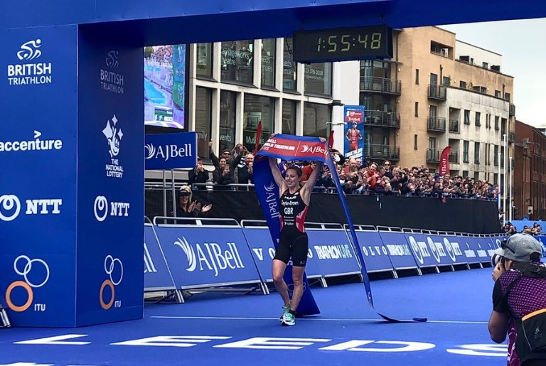 Georgia Taylor-Brown claimed a stunning victory to end Katie Zaferes' 100 per cent record this year ©Twitter/TriathlonLIVE