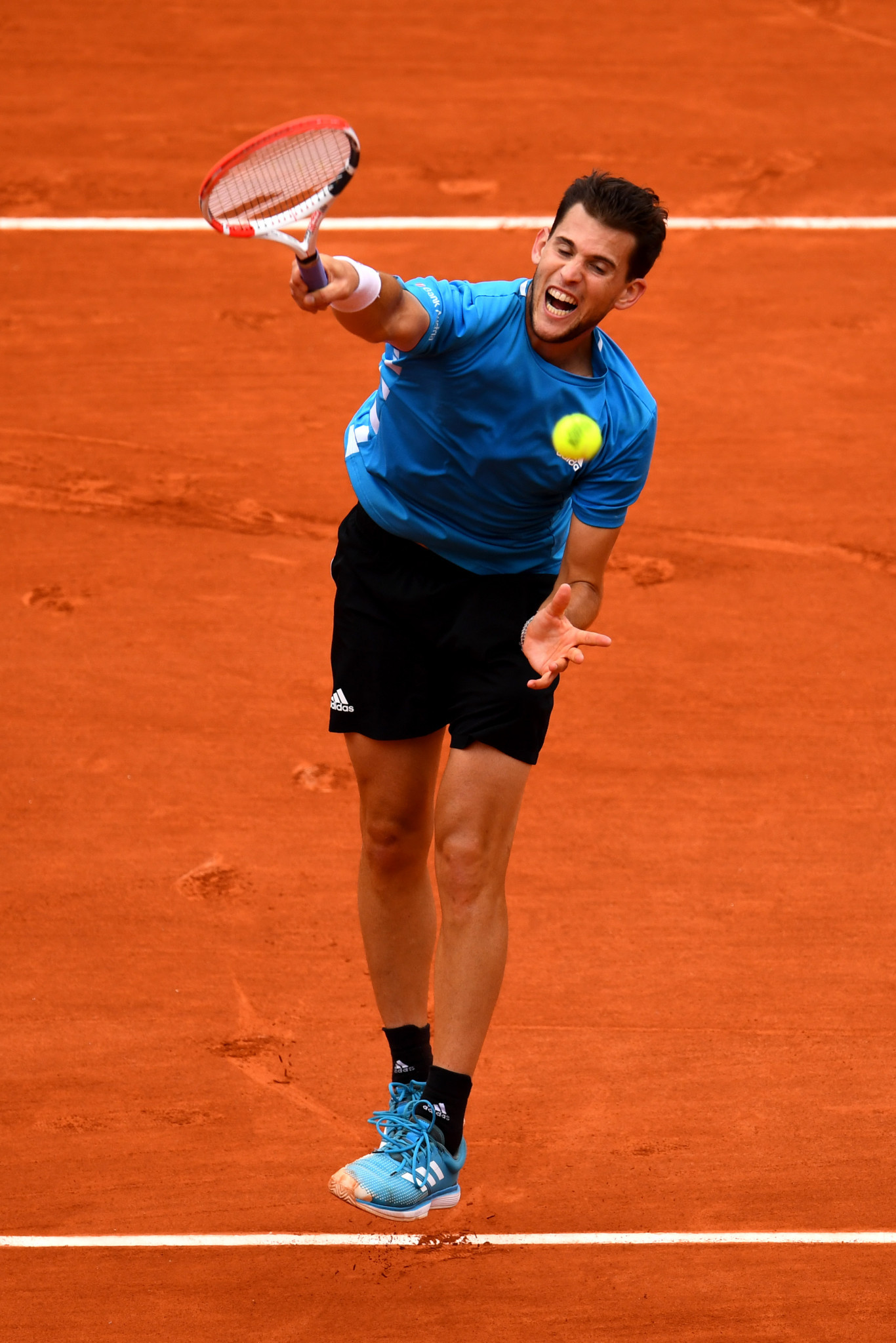 Dominic Thiem thunders down a smash during the French Open final ©Getty Images