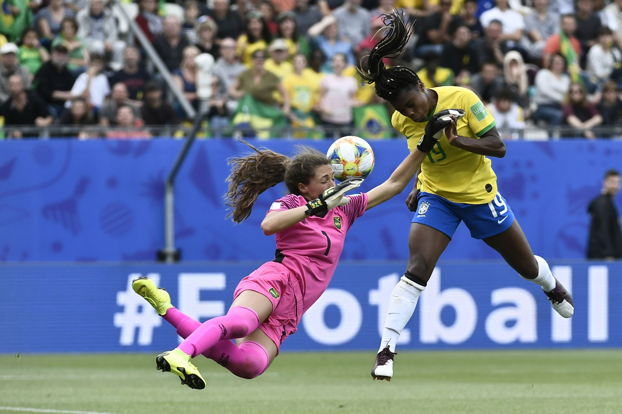 Jamaica were indebted to teenage goalkeeper Sydney Schneider for making several good saves ©Getty Images