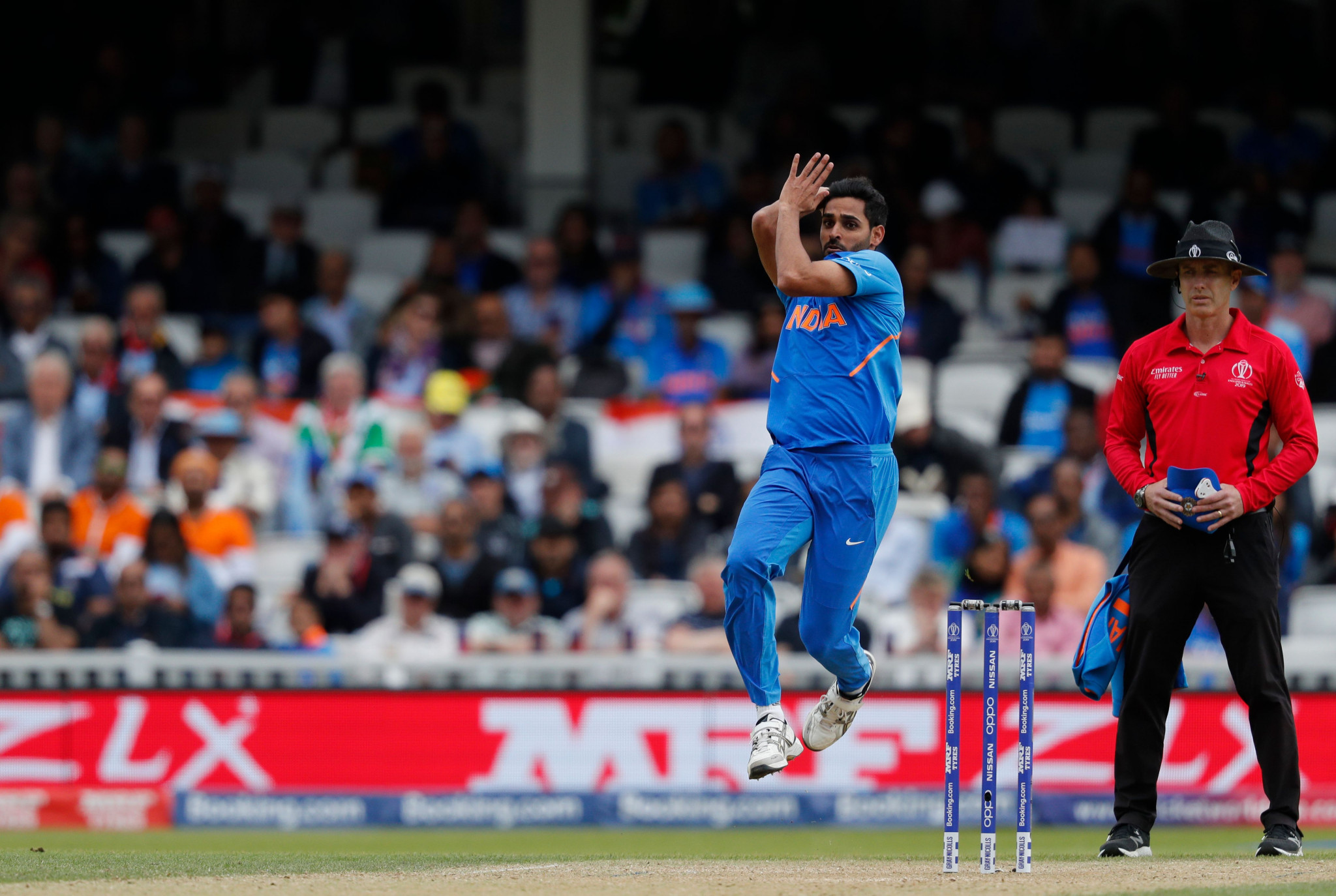 Bhuvneshwar Kumar took two wickets in an over to slow Australia's momentum ©Getty Images